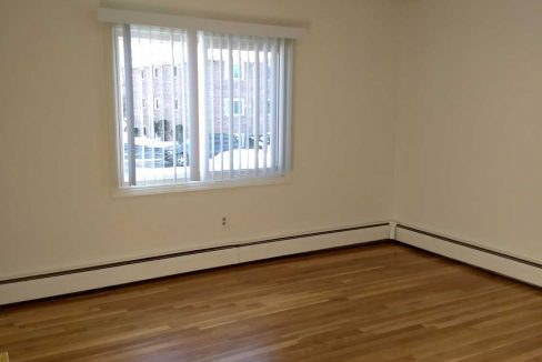 FV-42A-Master-Bedroom-with-HW-Floors