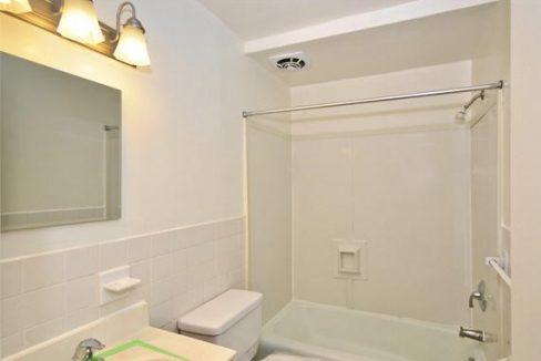 Venitta-Brock-NBA-bathroom-2