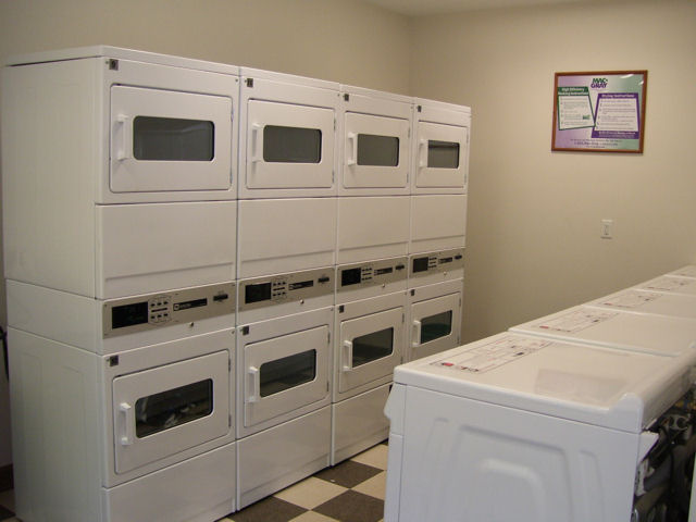 Andrea-Knight-Laundry-room